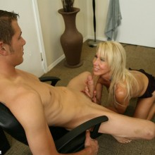 Erica Lauren gives a great wank