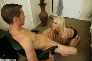 Erica Lauren gives a great wank