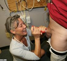 Leilani Lei enjoys rubbing cock