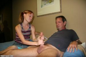 Alyssa Hart gives her stepdad a tugjob