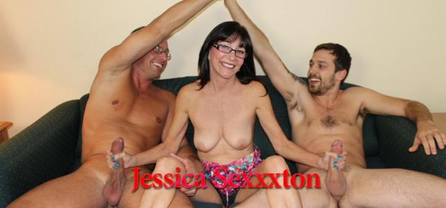 jessica-sexxxton-milf-double-handjob