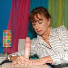 milf ciera blue giving a porno handjob