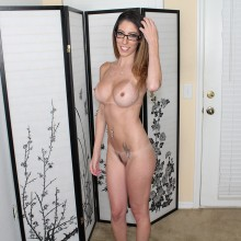 dava foxx gets naked and fucked