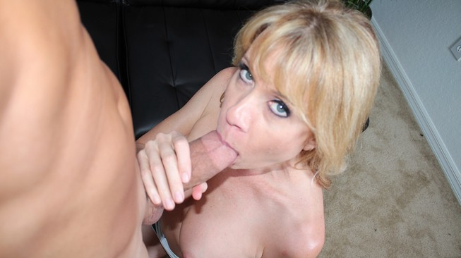 desi dalton milks his cock with her mouth til he cums