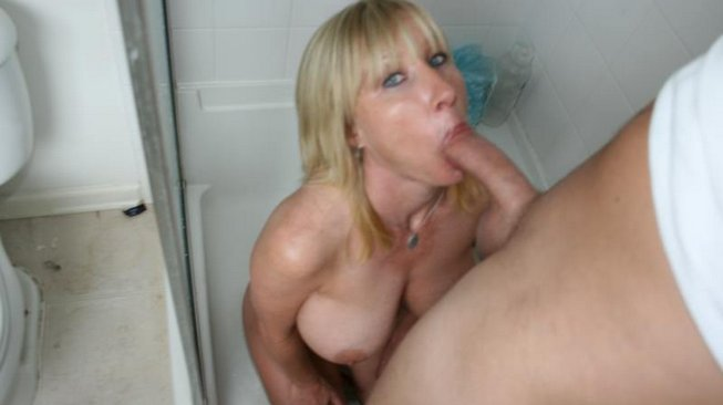 clubtug keri lynn sucks off the poolboy in the shower