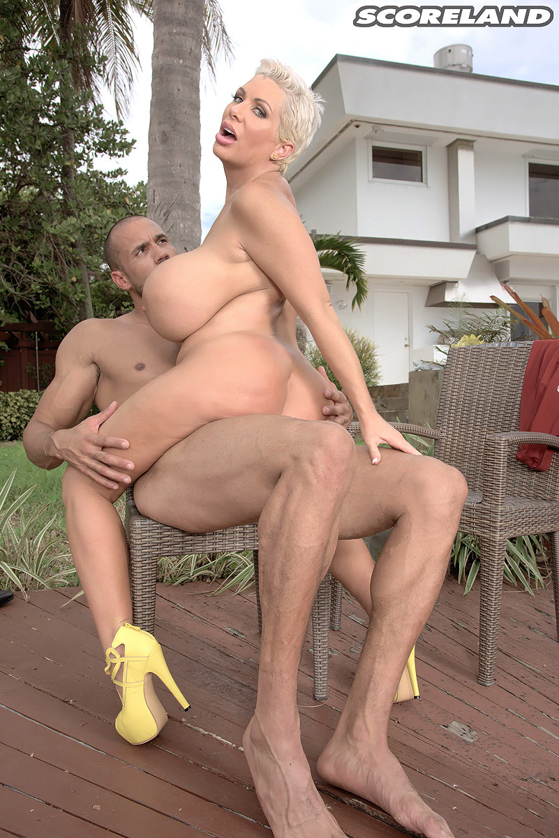 Tight mature meets her black neighbour in hotel - 3 part 8