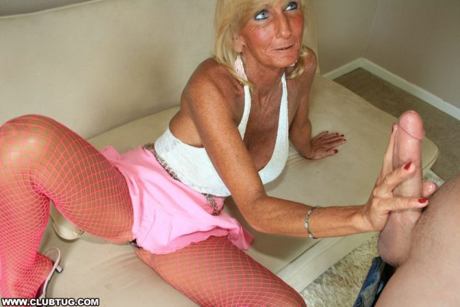 Mature Granny Jacking Young Boy - Handjobhub-4246