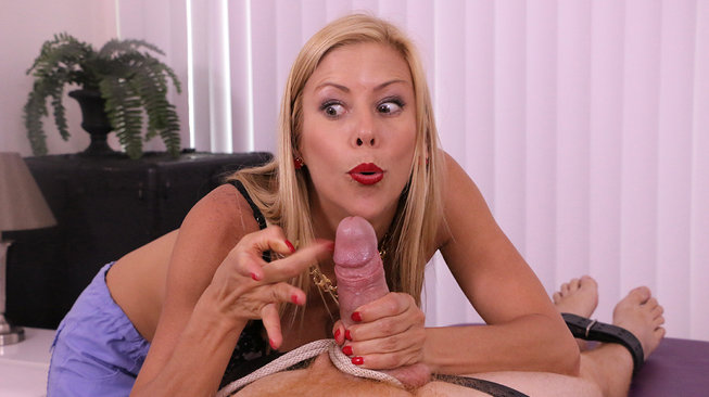 alexis fawx thumps his cock on meanmassage