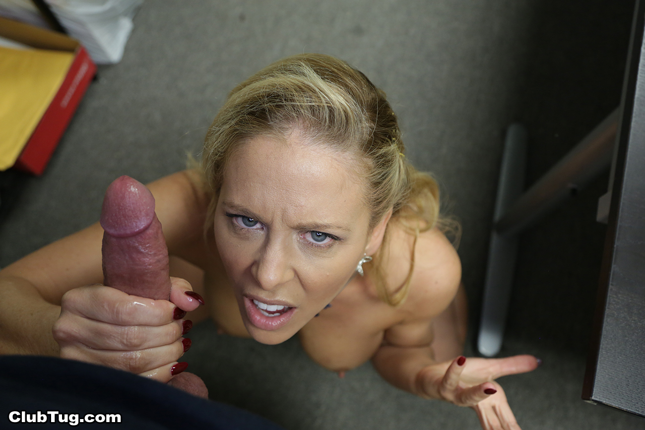 Milf Cherie Deville Handjob Pics - Handjobhub-4067