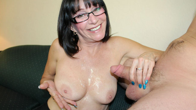jessica sexxxton plays with her cum covered titties