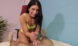 Alyssa Avni loves to stroke your dick